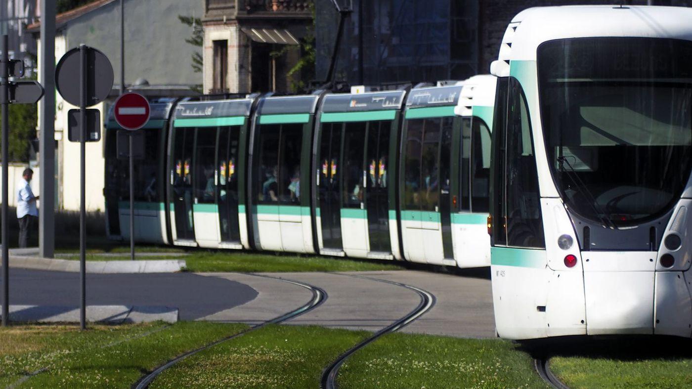 Paris Tram T3b, France